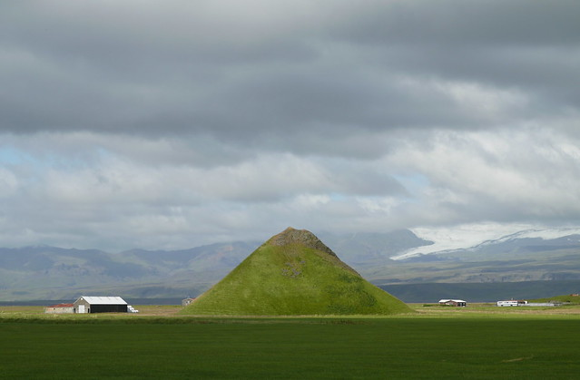 Eyjarhólar - and Eyjafjallajokul  vulcano in the background. Even Pyramides are found in Iceland