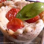Mohn-Käse-Törtchen mit Kirschtomaten