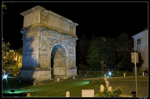 archaeology arch tripod benevento architectures ancientrome