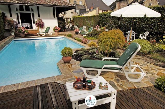 H tel restaurant nougier st etienne de fursac creuse - Cabane jardin toys r us saint etienne ...