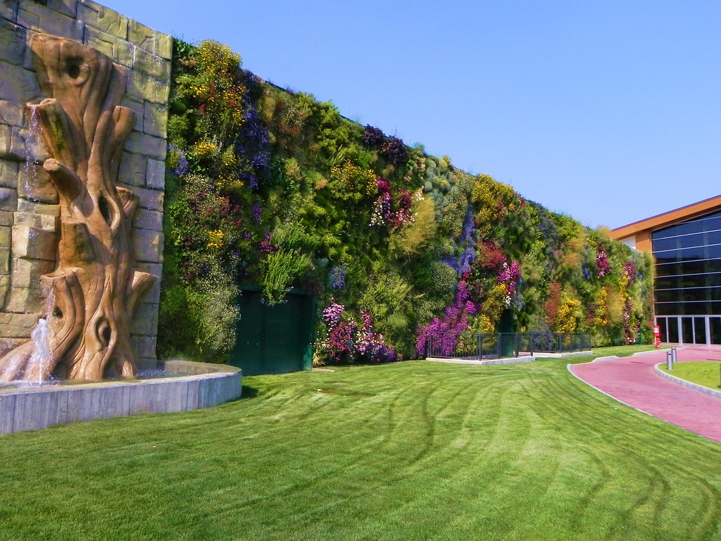 the largest vertical garden in the world twistedsifter