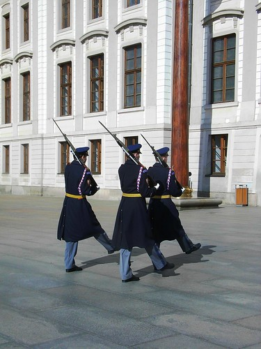 changing the guard - Prague Castle