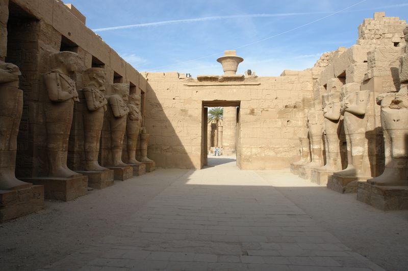 Templo de Karnak Templos a la orilla del río Nilo en Egipto - 2474551568 894cae45fa o - Templos a la orilla del río Nilo en Egipto