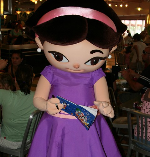 June (Little Einsteins) at Hollywood and Vine in Hollywood Studios
