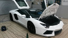Removal of matte wrap wrap on Lamborghini Aventador for Lamborghini Manchester in Stockport...