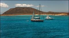 Barcos en isla de Lobos