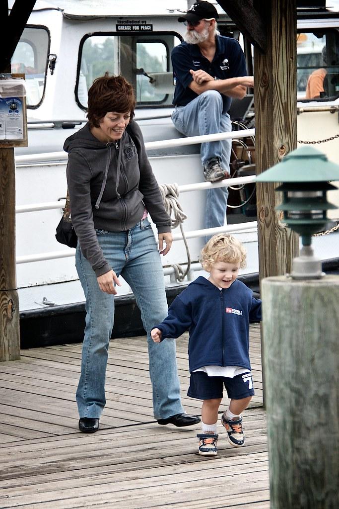 Sis and Lorenz Leaving the Docks