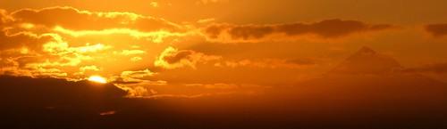 orange clouds oregon sunrise portland view searchthebest