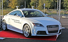 executive car(0.0), family car(0.0), automobile(1.0), automotive exterior(1.0), audi(1.0), wheel(1.0), vehicle(1.0), automotive design(1.0), rim(1.0), audi tt(1.0), bumper(1.0), land vehicle(1.0), luxury vehicle(1.0), coupã©(1.0), supercar(1.0), sports car(1.0), motor vehicle(1.0),