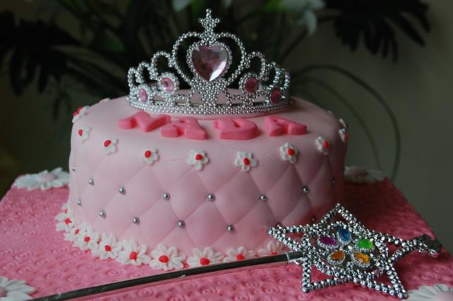 Princess Crown Cake Explore Syanti Alfian s photos on ...