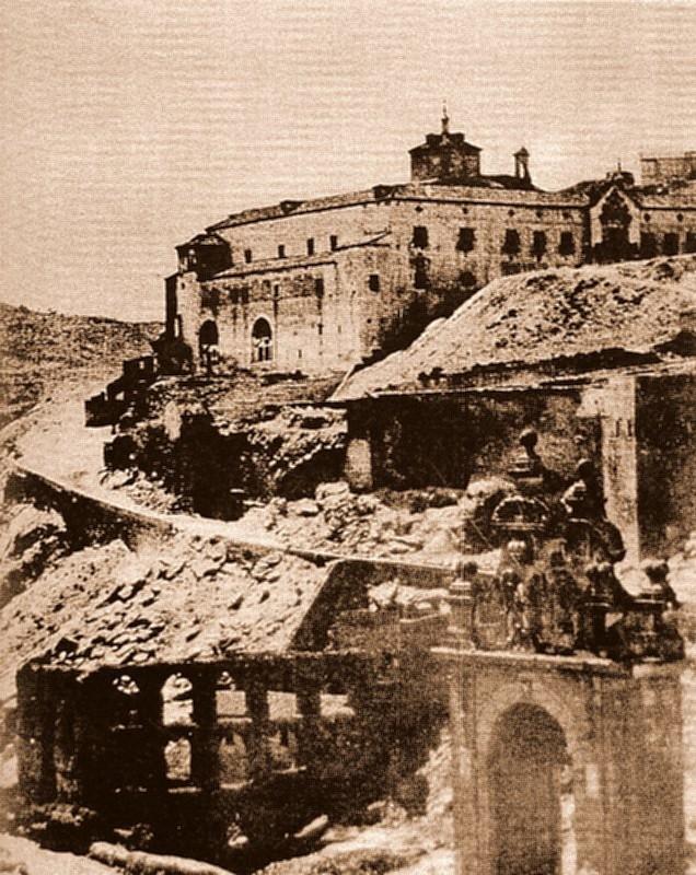Hospital de Santiago y Restos del Artificio de Juanelo (Toledo), antes de 1868