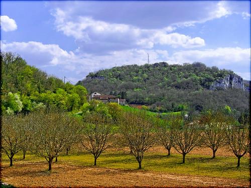 france landscape maisons lot ciel arbres paysage campagne 46 vers hameau midipyrénées lo46 valléedulot departementdulot