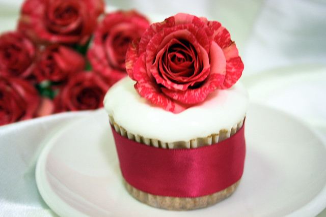 Elegant And Fresh Flower Cupcakes Flickr Photo Sharing