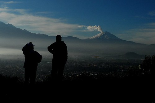Volcan - Popocateptl - A lo Lejos - Far away by Momoztla