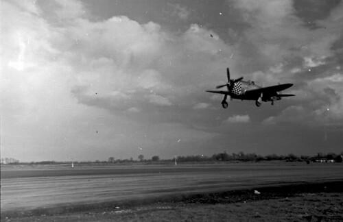 P47s landing 01