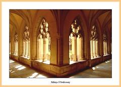 Kreuzgang der Benediktiner-Abtei von Ambronay (Ain)