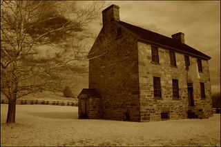 Stone House जवळ Sudley की छवि. sepia architecture virginia 19thcentury civilwar manassas infrared stonehouse