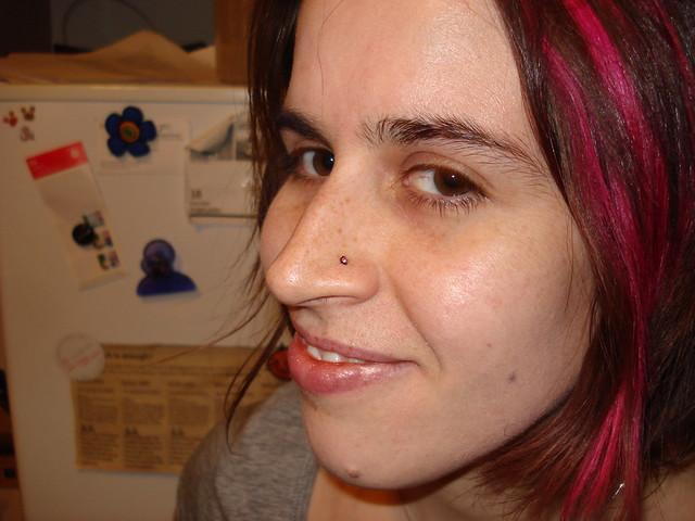 Nose Ring Screw Closure