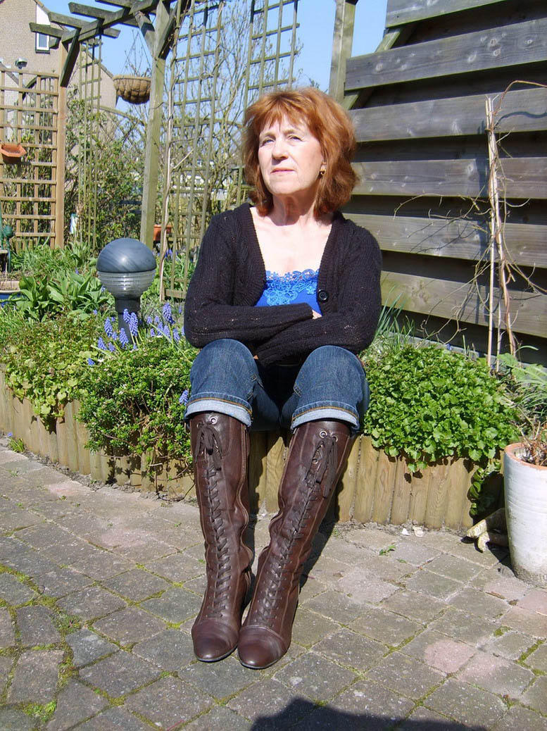 Brilliant Mature Women Wearing Boots  Simple Green Mature Women ...