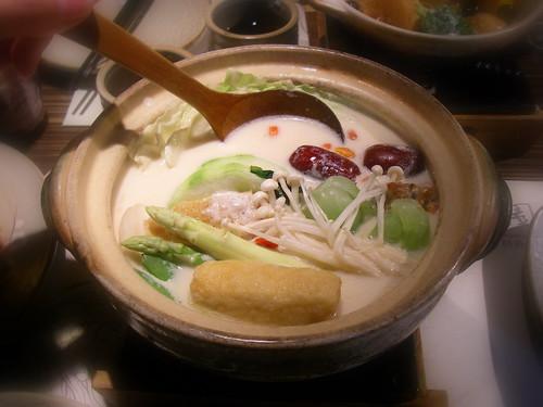 牛奶蔬菜鍋