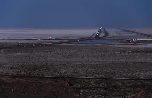 road railroad night landscape geotagged lights utah highway traffic desert playa unionpacific i80 mudflats saltflats causeway wendover interstate80 bonnevillesaltflats ut2007sep
