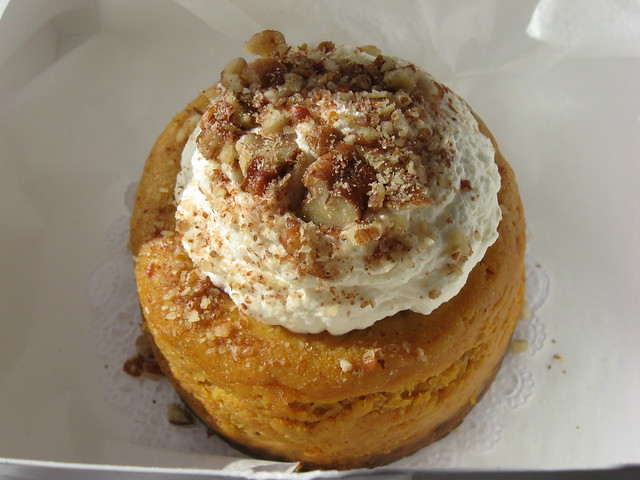 Magnolia Bakery Pumpkin Cheesecake With Ginger Snap