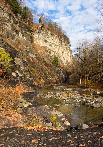 november autumn sky fall leaves rock canon river pat bluesky gorge walls 2008 taughannockfalls canon40d autumn2008images