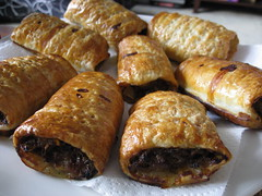 meal, breakfast, rugelach, baked goods, food, dish, cuisine, pasty, danish pastry, sausage roll,