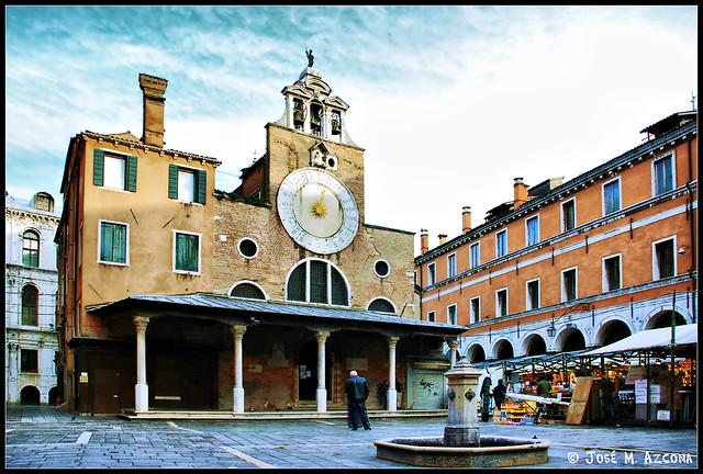 Venecia (Italia). Iglesia de San Giacomo di Rialto (San Giacometto).