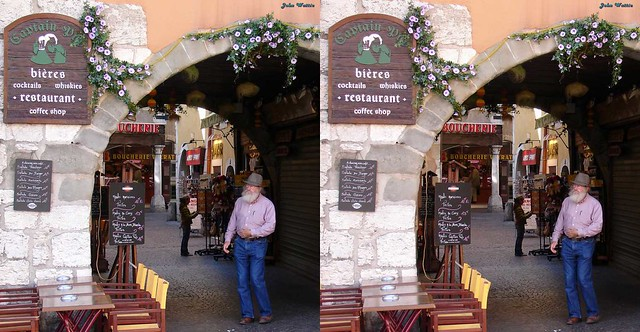 Annecy: Pub: Parallel stereo pair