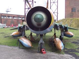 Front: Suchoi Su-22M4