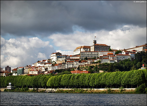 trees houses roof sky building portugal water architecture clouds river agua europe cityscape outdoor roofs getty coimbra oldcity mondego e510 julioc challengeyouwinner photographybyjulioctheblog olympuse510 ilustrarportugal sérieouro ilustrarportugal200806coimbra j1024