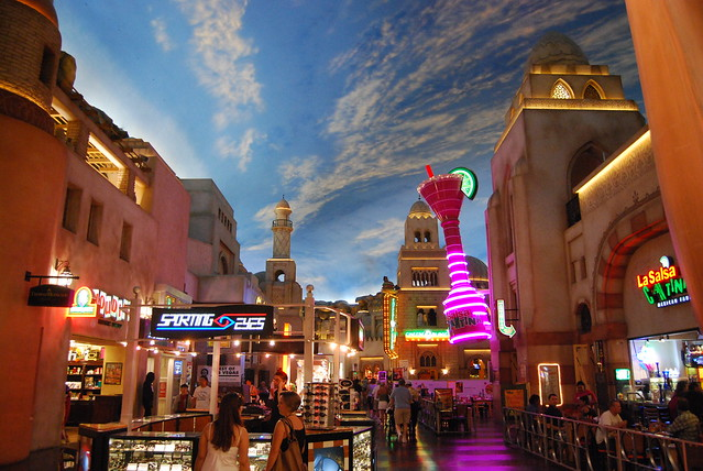 planet hollywood vegas mall