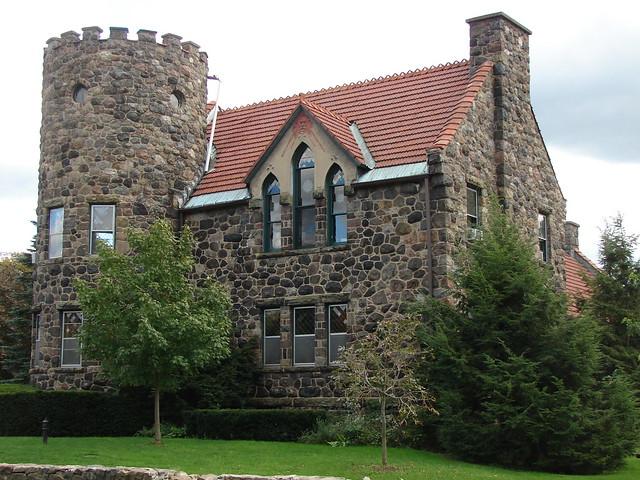 Roycroft Campus Tours