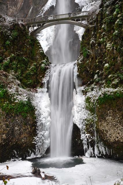 Multnomah Falls Winter 08-7