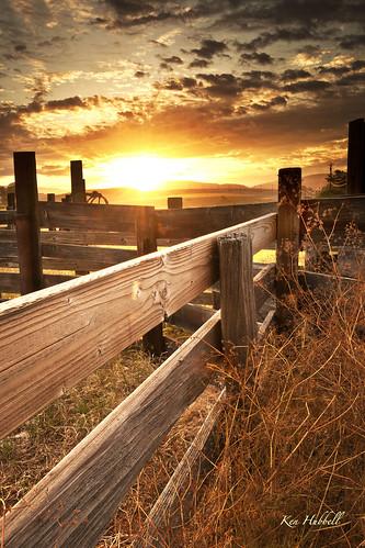 sky sunrise fence spring nikon 1635 lamdscape d3x leefilters
