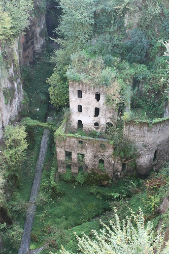 Deep Valley of the Mills