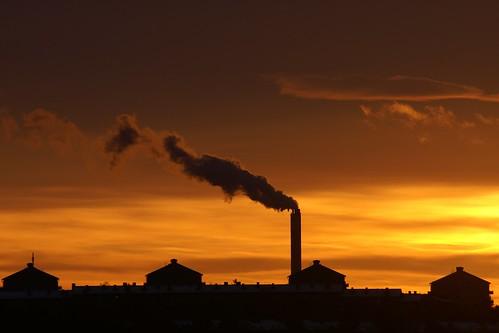 sunset sky home silhouette view sweden stockholm smoke schweden cc creativecommons sverige 2009 utsikt viewfromhome suede nacka kicki finntorp svenskaamatörfotografer kh67