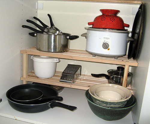 The smart way to organise your pots and pans by The Smart Life