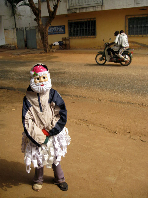 beninese kid with mask