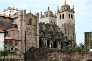 Obrázek Porto Cathedral. portugal puente se cathedral bridges catedral porto douro puentes pontes oporto duero