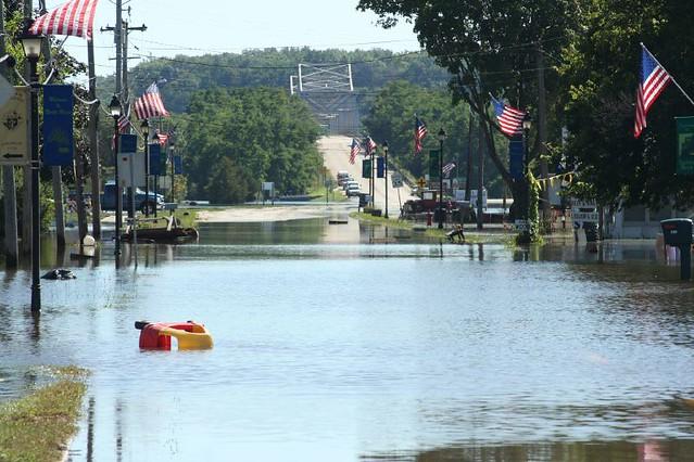 Sept 08 floods Illinois River Utica LaSalle (12)