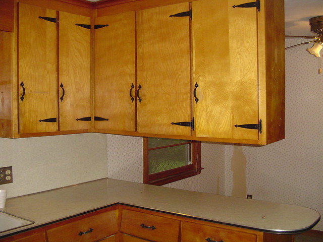 Hanging Cabinet Dividing Kitchen In Half Flickr Photo Sharing