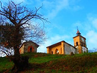 Iglesia de Santa Ana en Cóbreces (Cantabria) España.