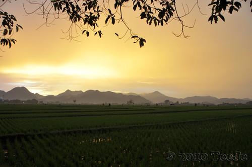 sunset indonesia geotagged bandung nikkor d300 ciwidey teeje soreang geo:lat=7021233 geo:lon=10753728