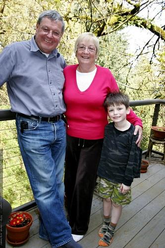 grandpa david, grandma jennie & nick    MG 1551