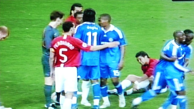 Ronaldo being ignored in his pain whilst the others have a discussion