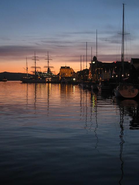 Bergen by midnight