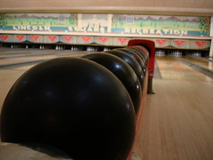 sport venue(0.0), team sport(0.0), bowling pin(1.0), individual sports(1.0), sports(1.0), ball game(1.0), ten-pin bowling(1.0), bowling(1.0), ball(1.0),