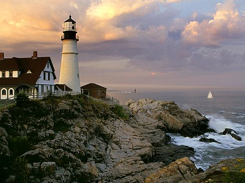 sunset lighthouse sailboat wow portland harbor twilight dusk maine 100v10f soe mywinners abigfave platinumphoto diamondclassphotographer betterthangood goldstaraward lighthousetrek lightkeeperaward
